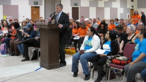 Dave Roberts speaks at Forum